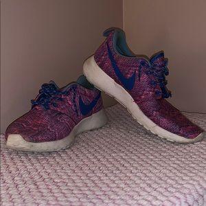 3/$20 ❤️ Girls Nike Roshe Sneaker